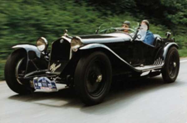 retrouvez des voitures mythiques au rallye de fougeres